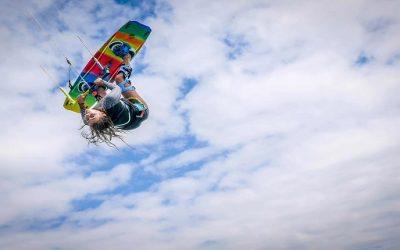 S'initier à un sport de glisse à sensation dans une école de voile : le kitesurf
